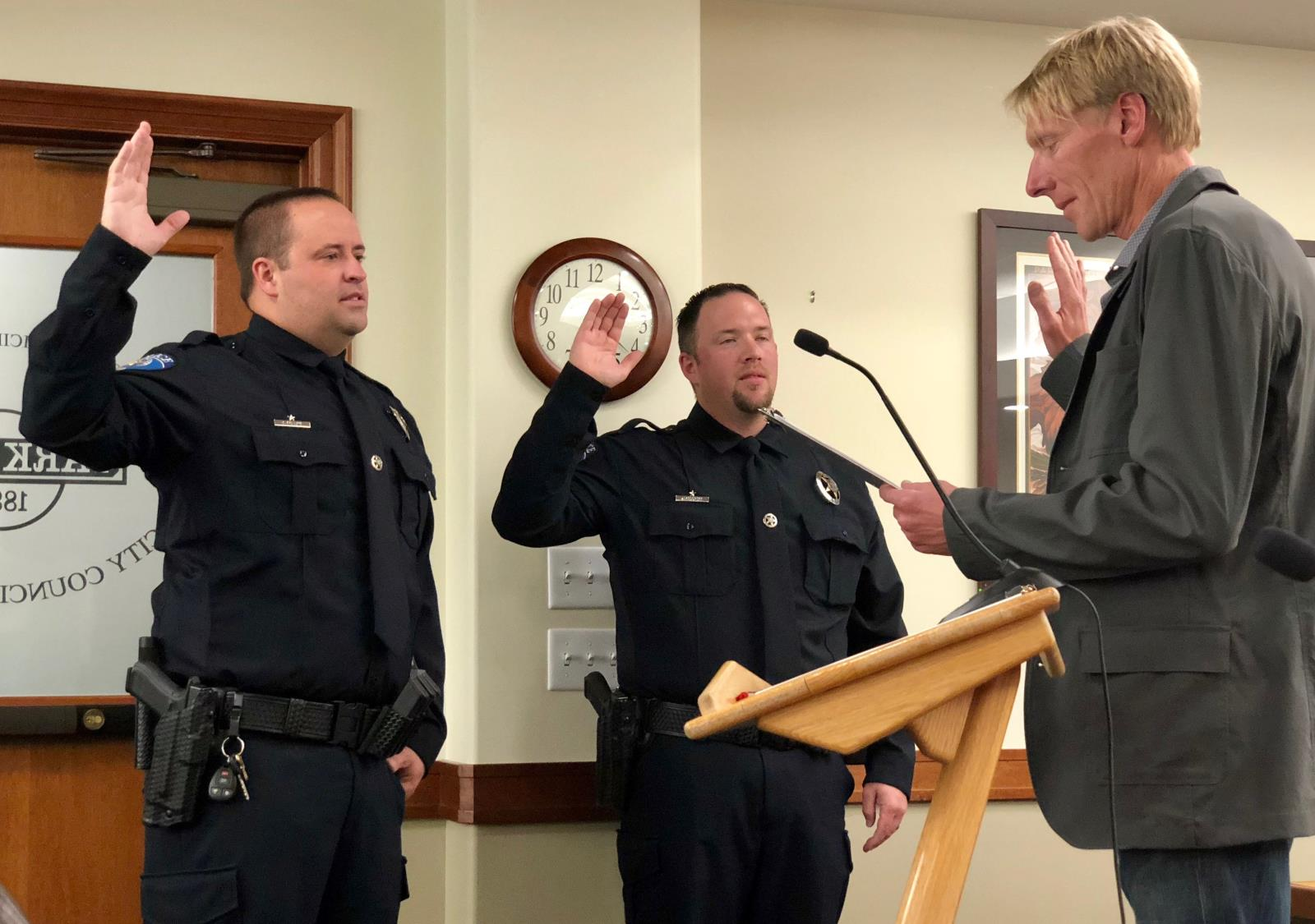 Mayor Beerman Swearing in New Police Officers